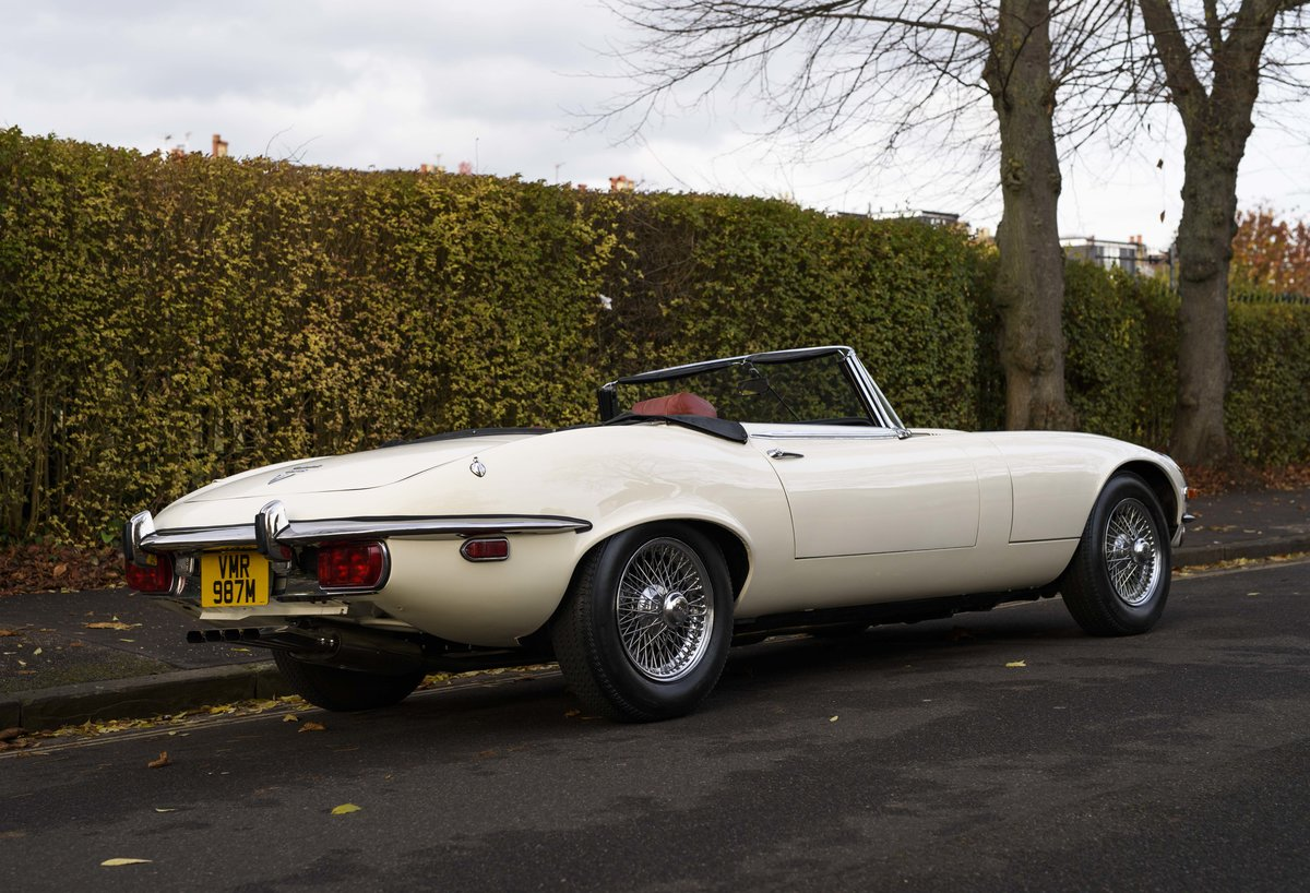 1974 Jaguar E-Type Series 3 V12 Roadster For Sale in London For Sale (picture 3 of 24)
