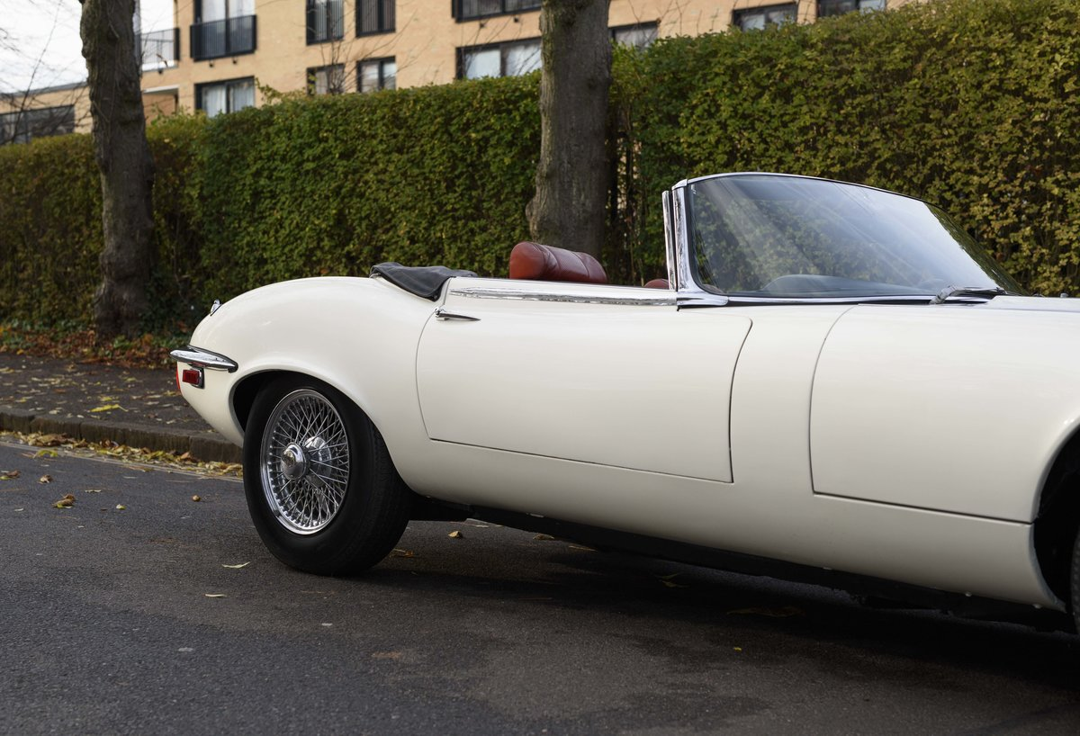1974 Jaguar E-Type Series 3 V12 Roadster For Sale in London For Sale (picture 10 of 24)