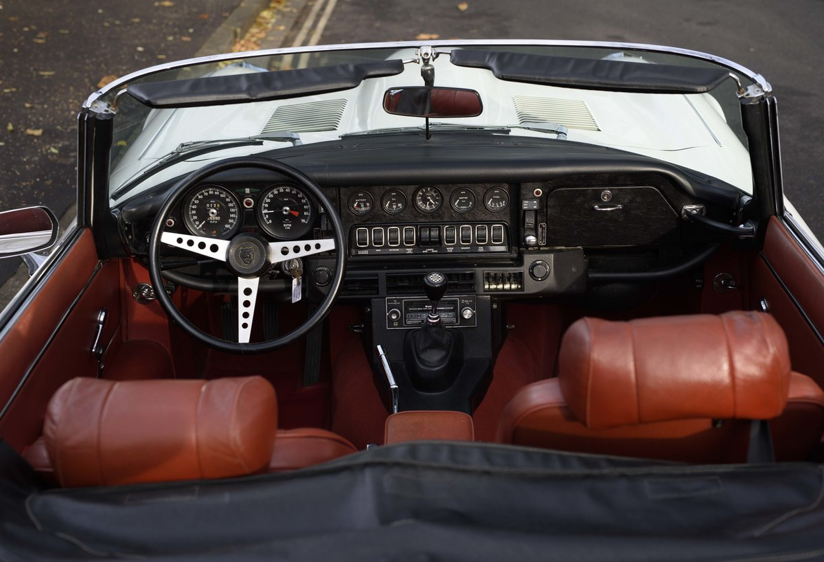 1974 Jaguar E-Type Series 3 V12 Roadster For Sale in London For Sale (picture 17 of 24)