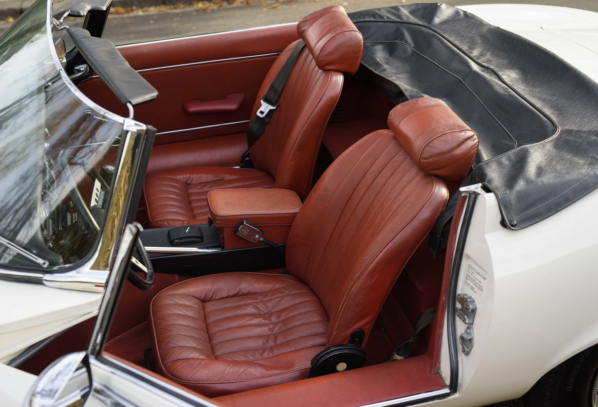 1974 Jaguar E-Type Series 3 V12 Roadster For Sale in London For Sale (picture 22 of 24)