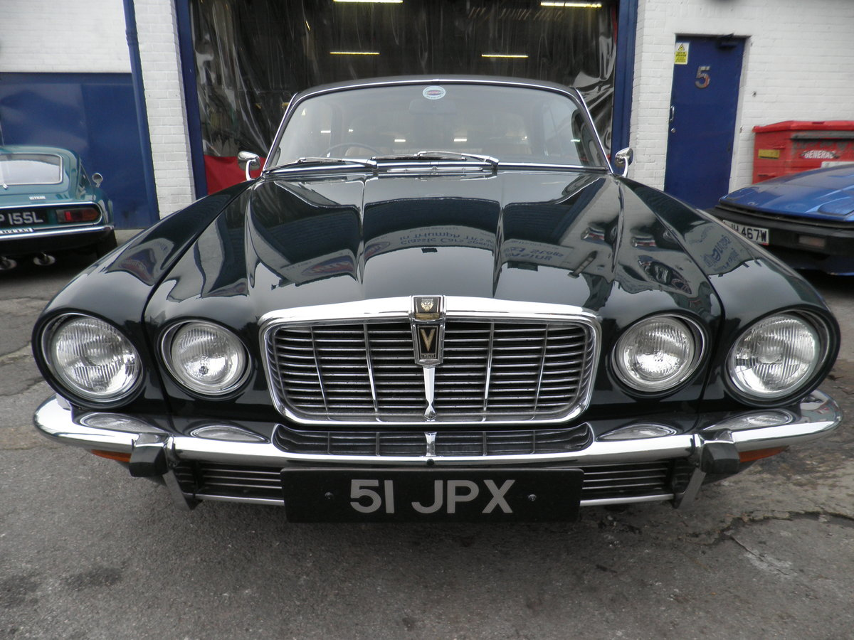 1975 Jaguar XJC V12 injection coupe For Sale (picture 1 of 6)
