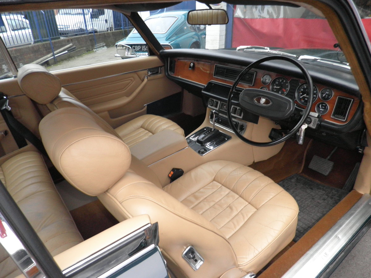 1975 Jaguar XJC V12 injection coupe For Sale (picture 5 of 6)