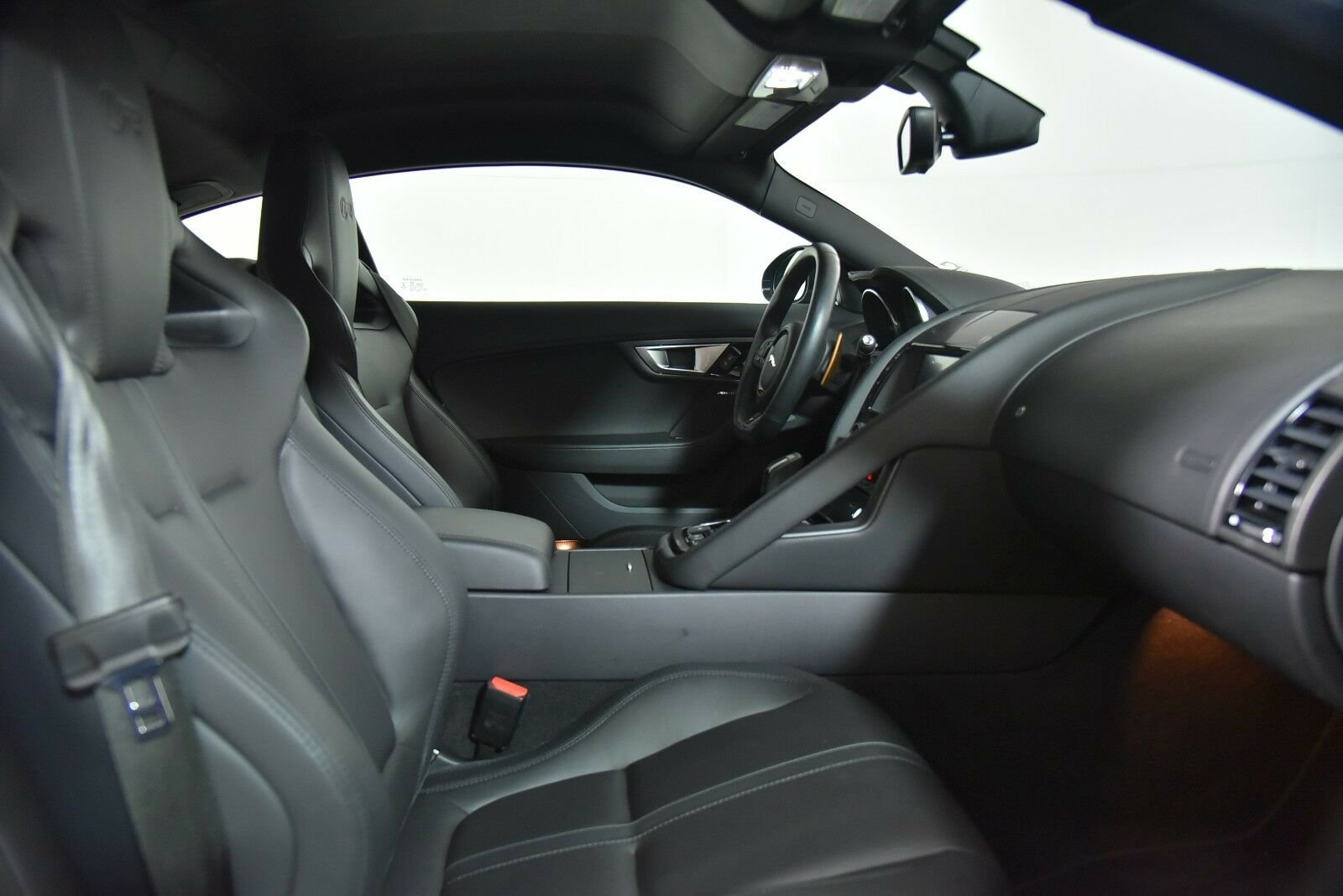 2015 Jaguar F-TYPE R Coupe For Sale (picture 2 of 6)