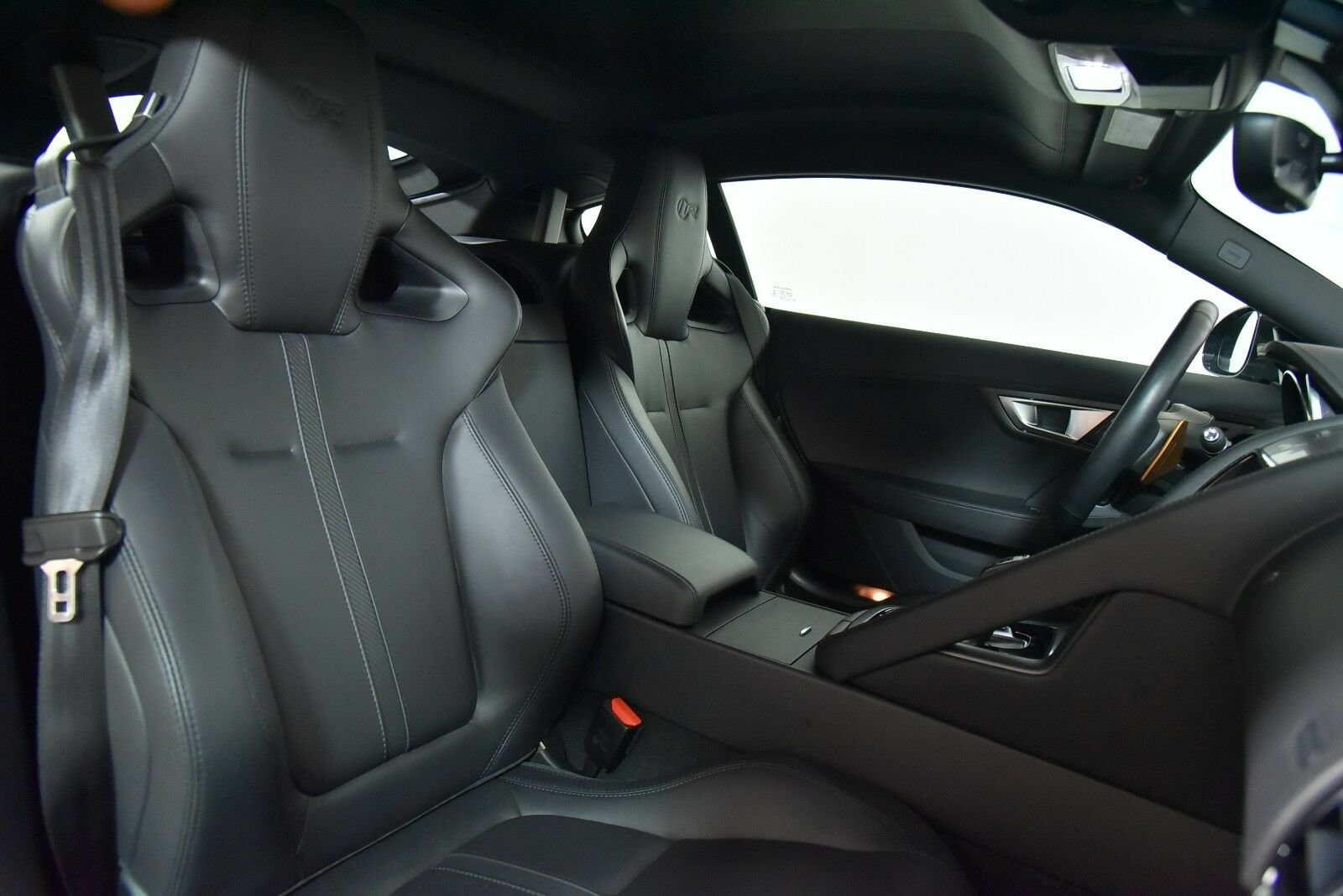 2015 Jaguar F-TYPE R Coupe For Sale (picture 3 of 6)
