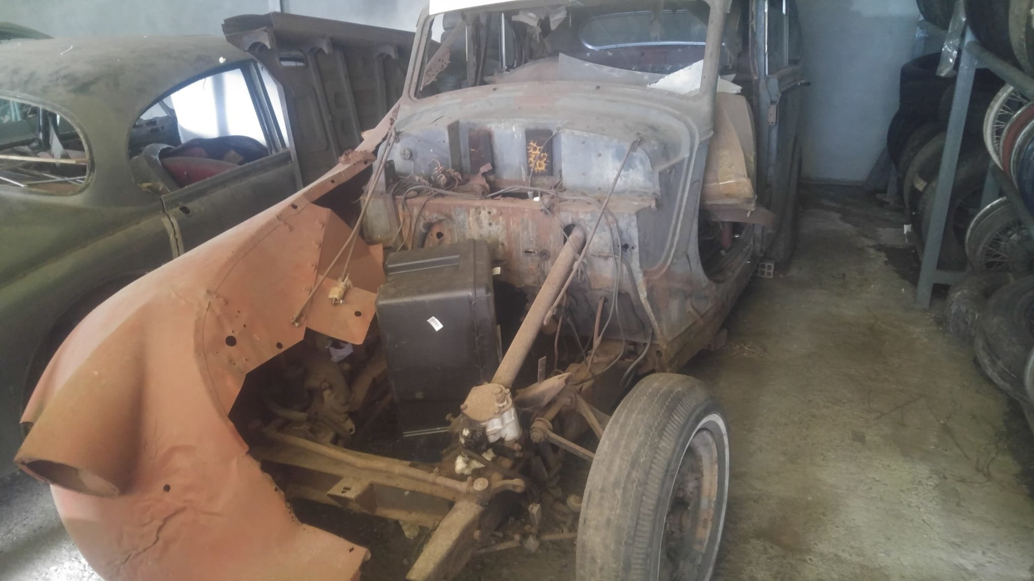 1950 Jaguar MK V project. 2 cars. For Sale (picture 3 of 6)
