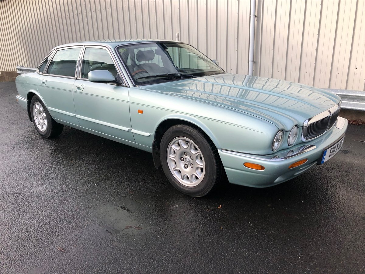 2000 JAGUAR XJ XJ8 3.2 V8 EXECUTIVE 240 BHP WITH 58K MILES For Sale (picture 1 of 6)