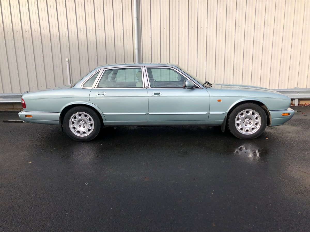 2000 JAGUAR XJ XJ8 3.2 V8 EXECUTIVE 240 BHP WITH 58K MILES For Sale (picture 2 of 6)