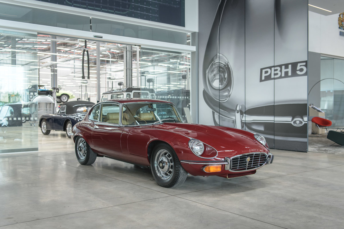 1973 Jaguar E-Type Series 3 FHC 2+2 V12 For Sale (picture 1 of 6)