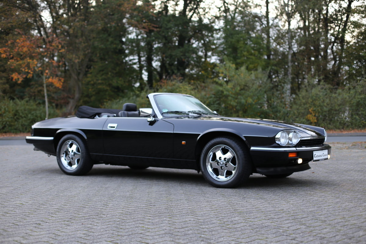 1992 A uniquely styled Euro Specification Jaguar XJS Convertible SOLD (picture 3 of 6)