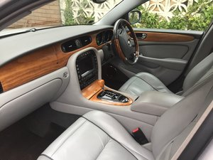 2005 Jaguar Sovereign Platinum Silver For Sale