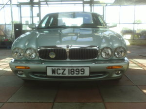 2001 V8 XJ SERIES SALOON