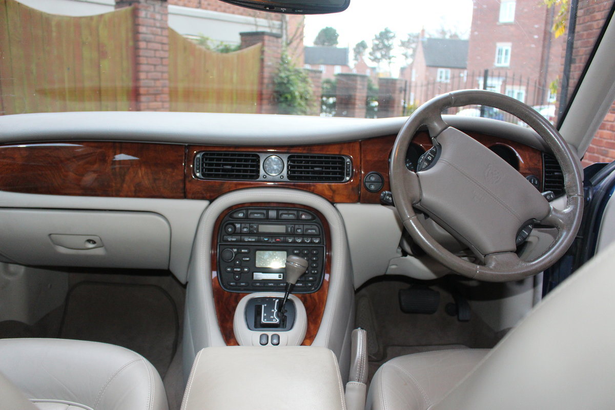 2001 XJ8 Joy to drive For Sale (picture 3 of 6)