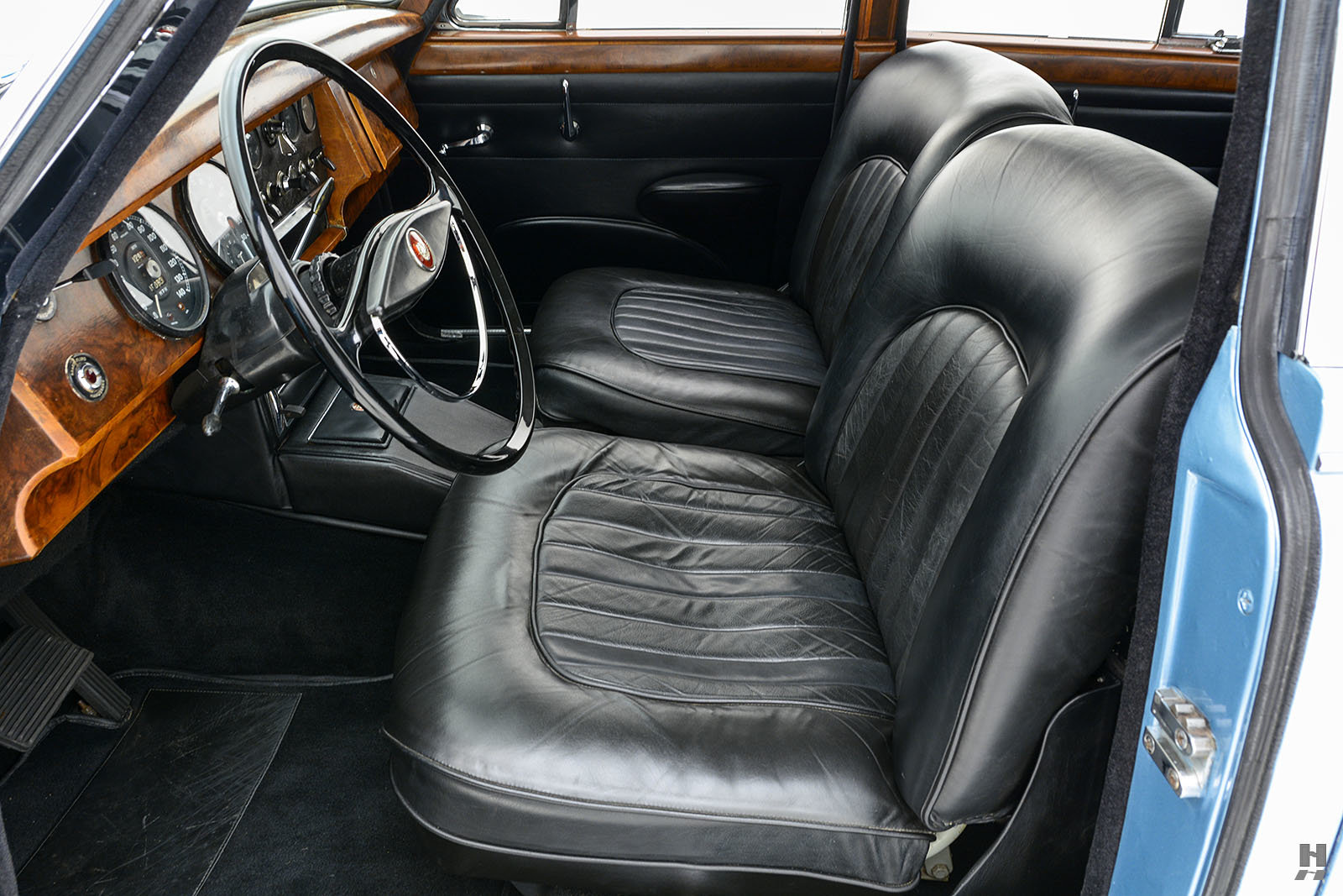 1963 JAGUAR MK II 3.8 SALOON For Sale (picture 4 of 6)