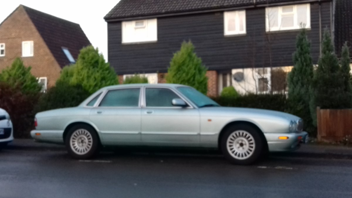2000 Jaguar XJ8 For Sale (picture 1 of 6)