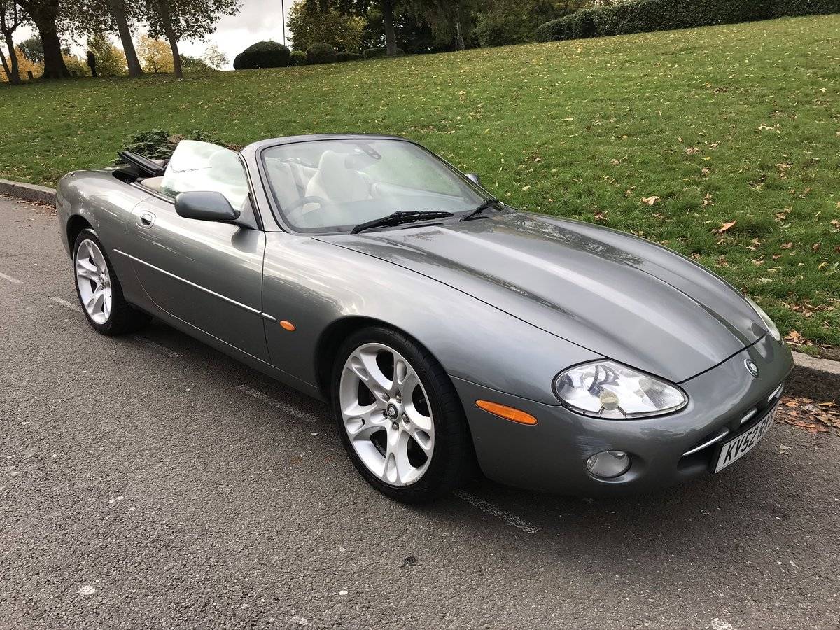 2002 (52) Jaguar XK8 Convertible SOLD (picture 4 of 6)