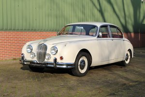 1966 Jaguar MK II € 19.900 For Sale