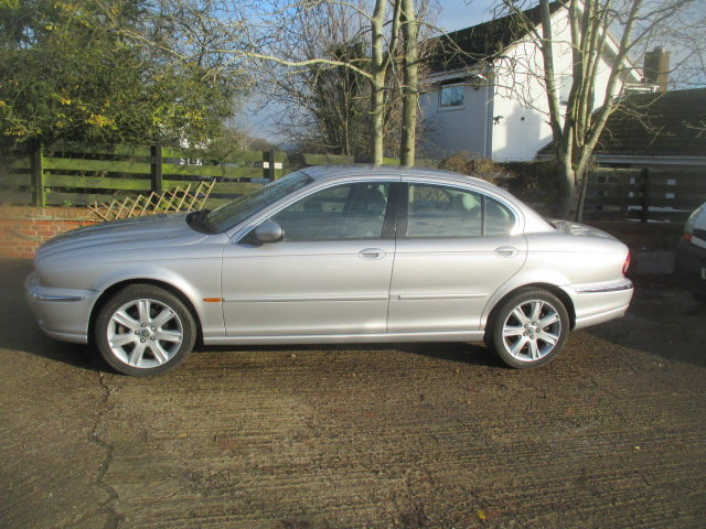 2002 AWD V6 X-type 6000 miles  from new full Jaguar history For Sale (picture 2 of 6)