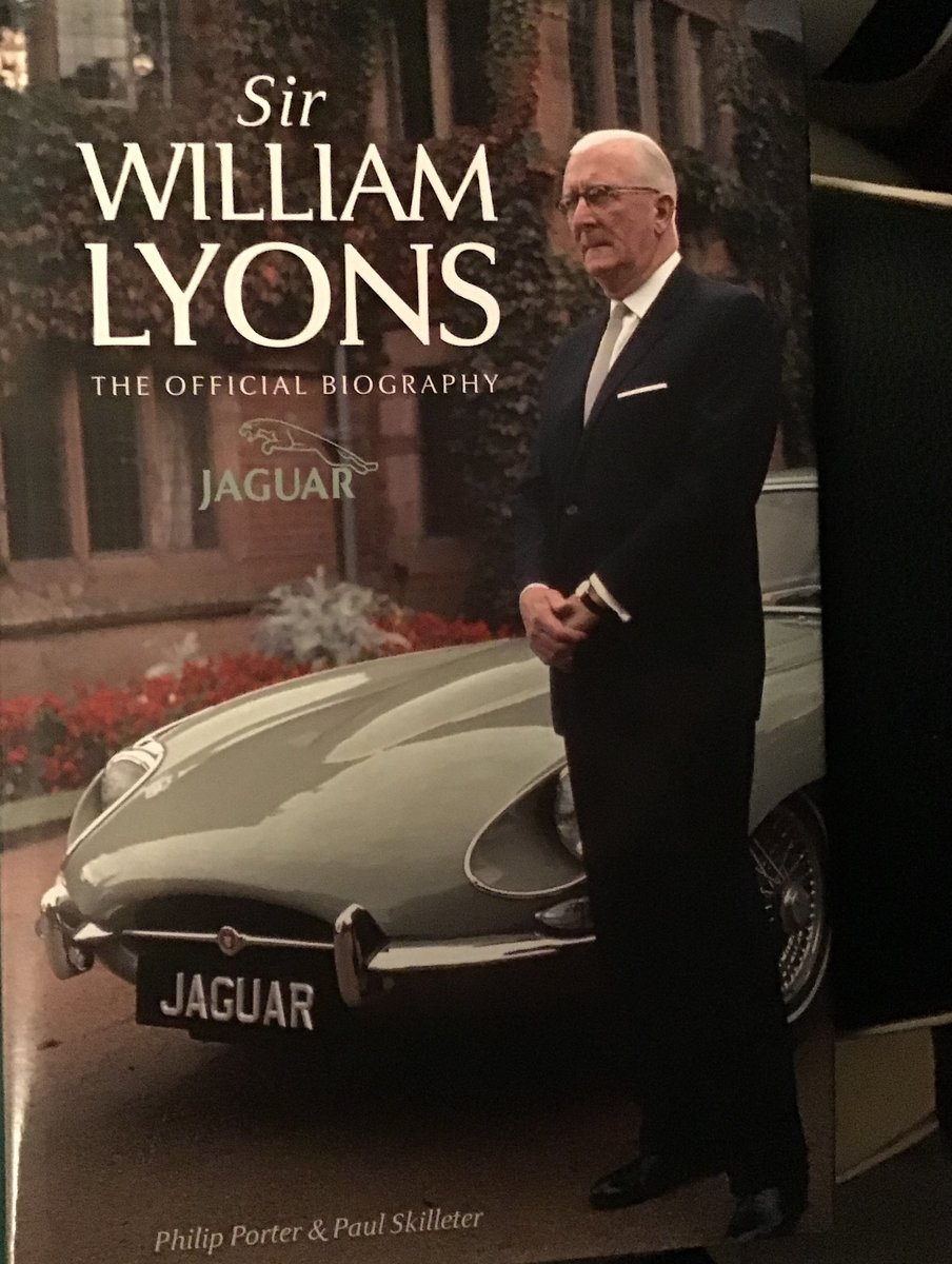 1950 JAGUAR E TYPE COLLECTION OF BOOKS For Sale (picture 5 of 6)