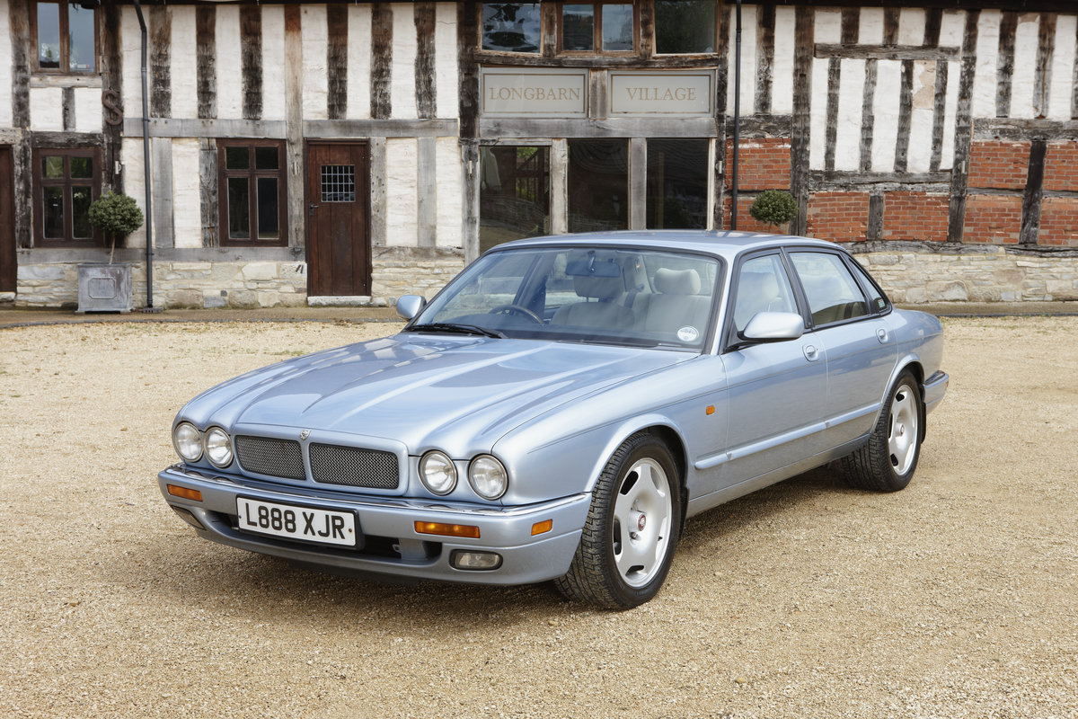 1994 Jaguar XJR Supercharged for hire in the Cotswolds For Hire (picture 1 of 5)