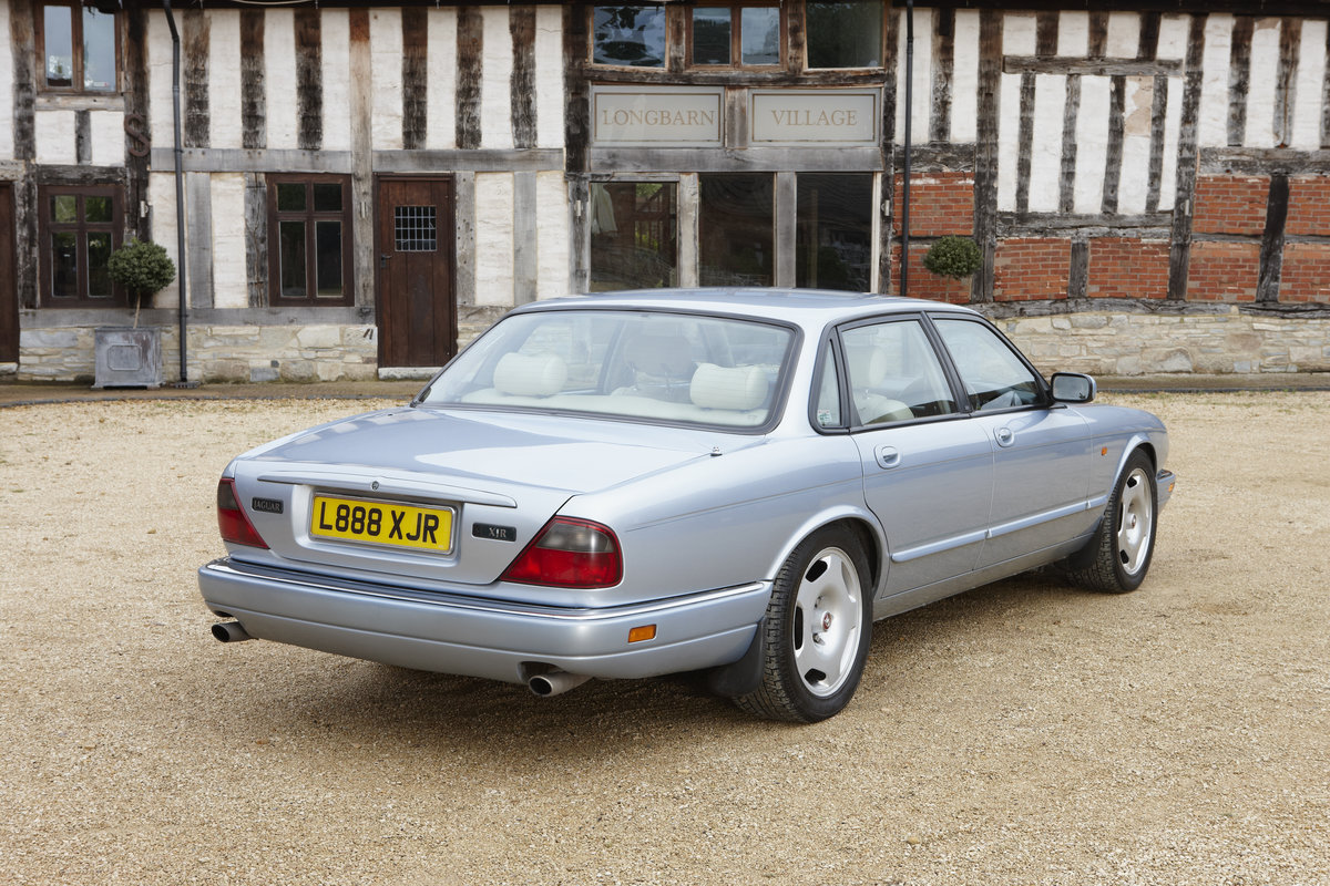 1994 Jaguar XJR Supercharged for hire in the Cotswolds For Hire (picture 2 of 5)