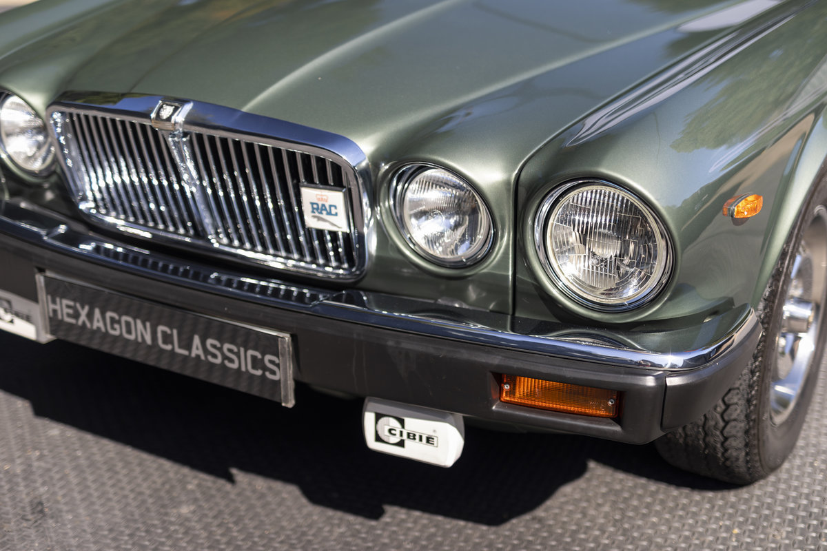 1985 JAGUAR XJ6 4.2 SERIES III, MANUAL ONLY 8200 MILES For Sale (picture 14 of 22)