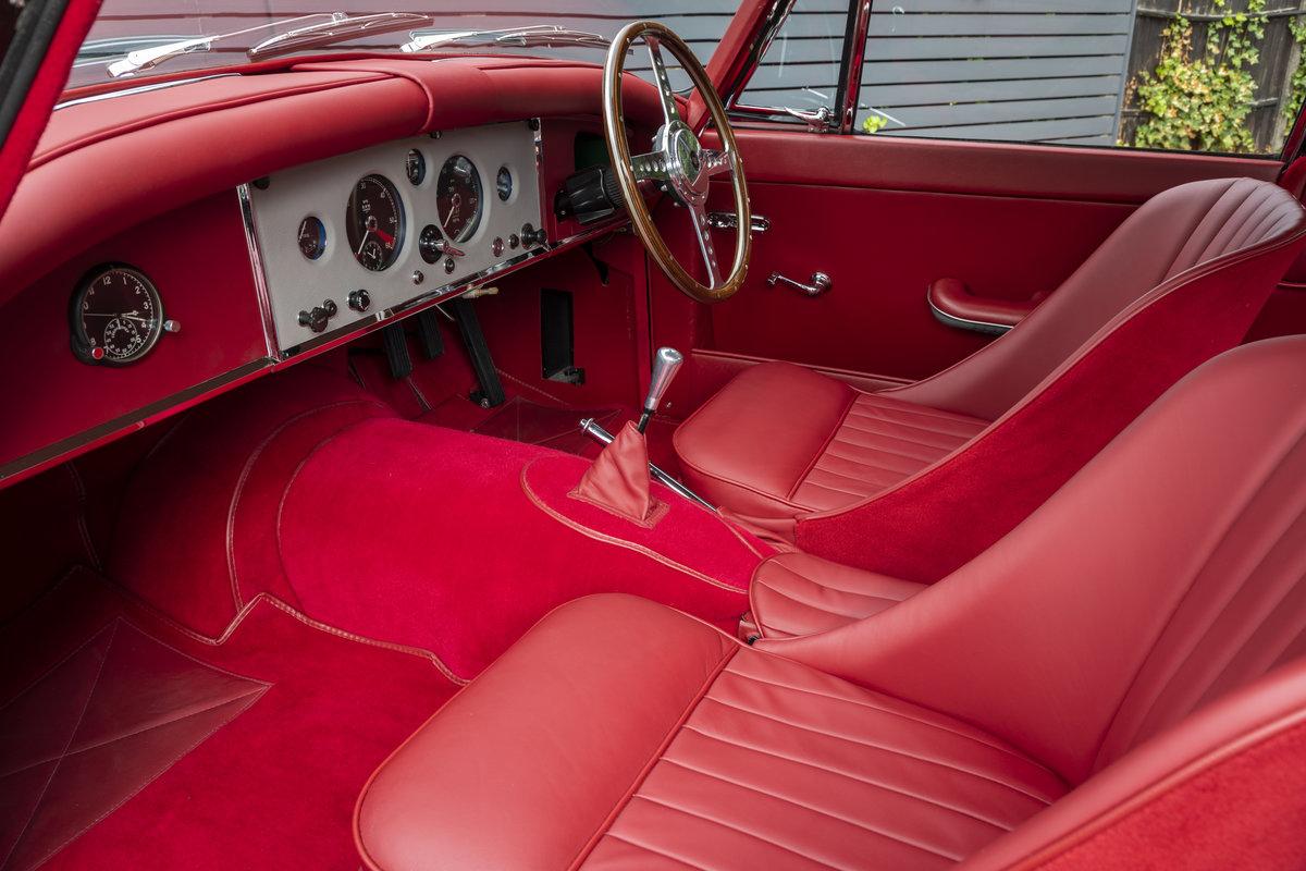 1960 JAGUAR XK150 3.8 FHC For Sale (picture 6 of 23)