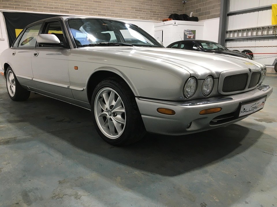1999 XJ8 Stunning example SOLD (picture 1 of 6)