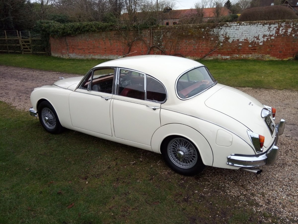 Fabulous 1961 Jaguar Mk 2 3.8 manual/overdrive SOLD (picture 3 of 6)