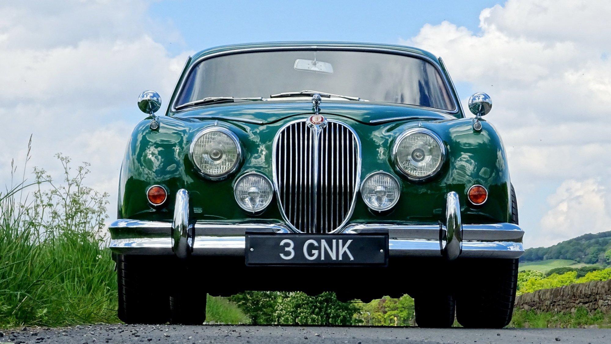 1961 JAGUAR MK2 3.8 LITRE BEAUTIFUL BRITISH CLASSIC CAR For Sale (picture 2 of 6)