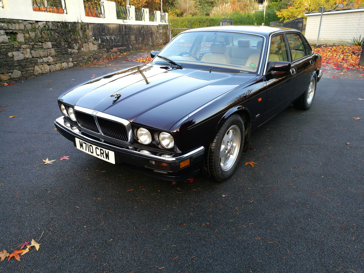1994 xj40 4.0s very low miles fsh SOLD (picture 1 of 6)