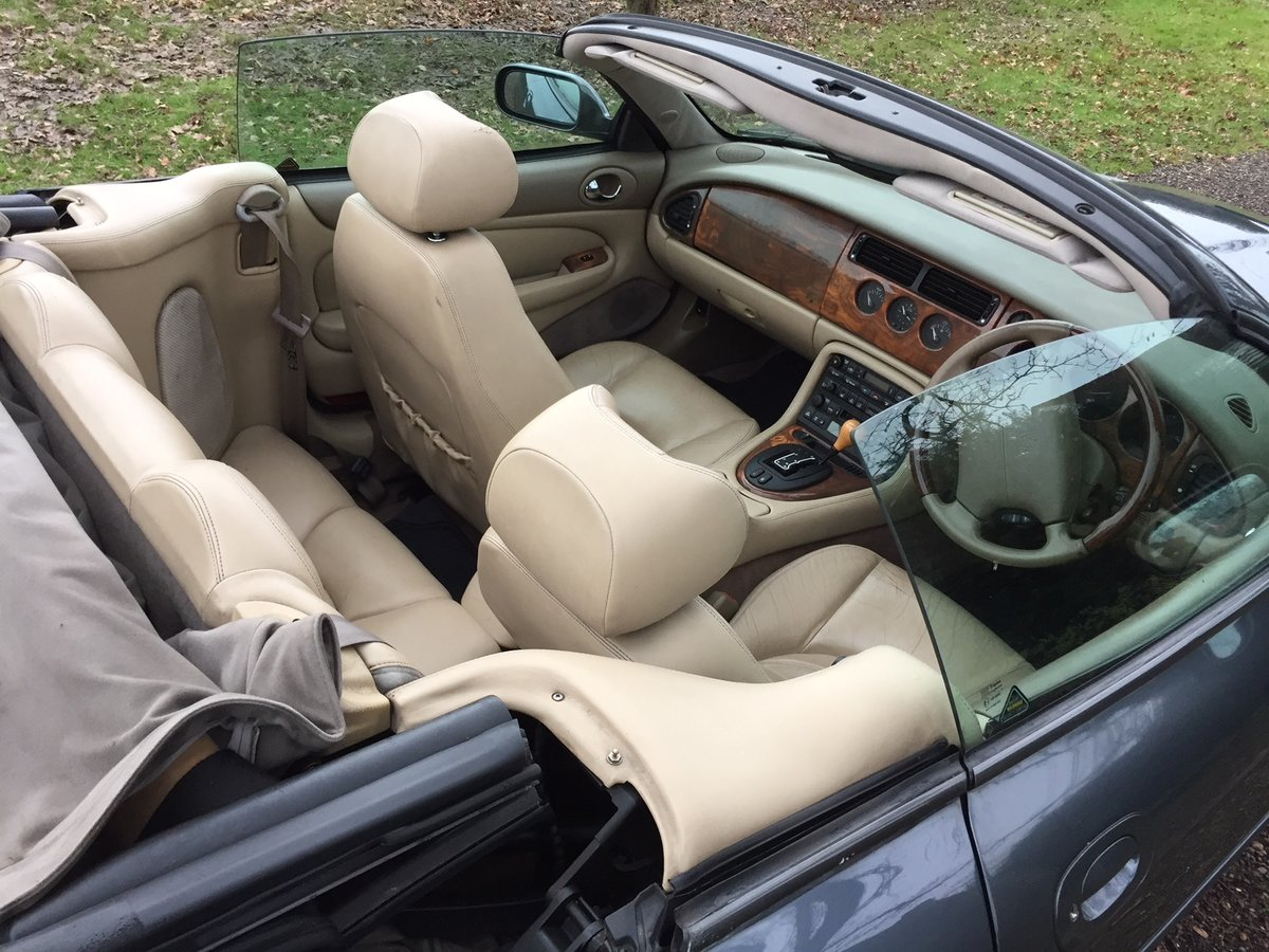 Jaguar XKR 4.0 Convertible 2001 Graphite Grey Met For Sale (picture 6 of 6)