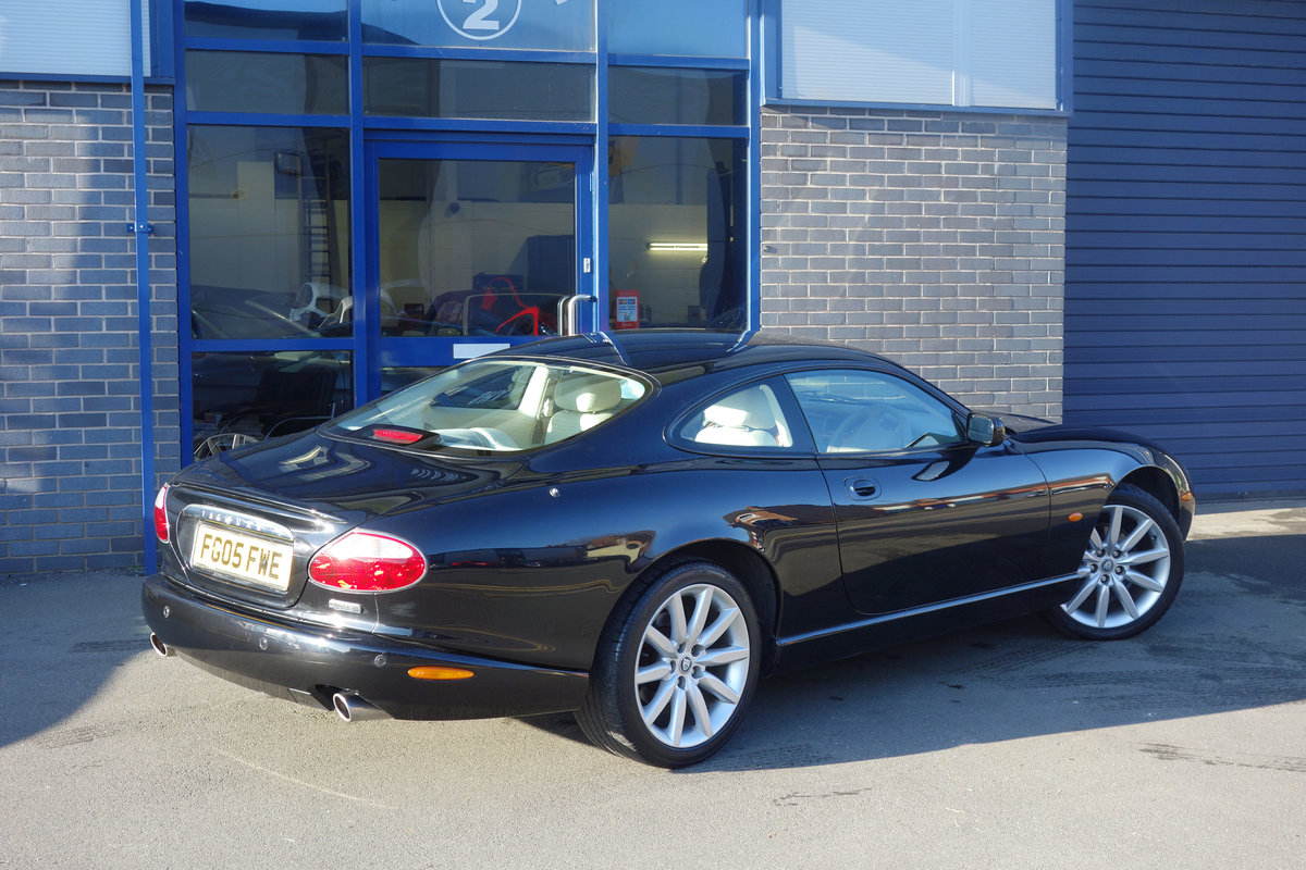 2005 Jaguar 4.2 Coupe Superb Classic FSH Big Spec, Only 47700m For Sale (picture 4 of 6)