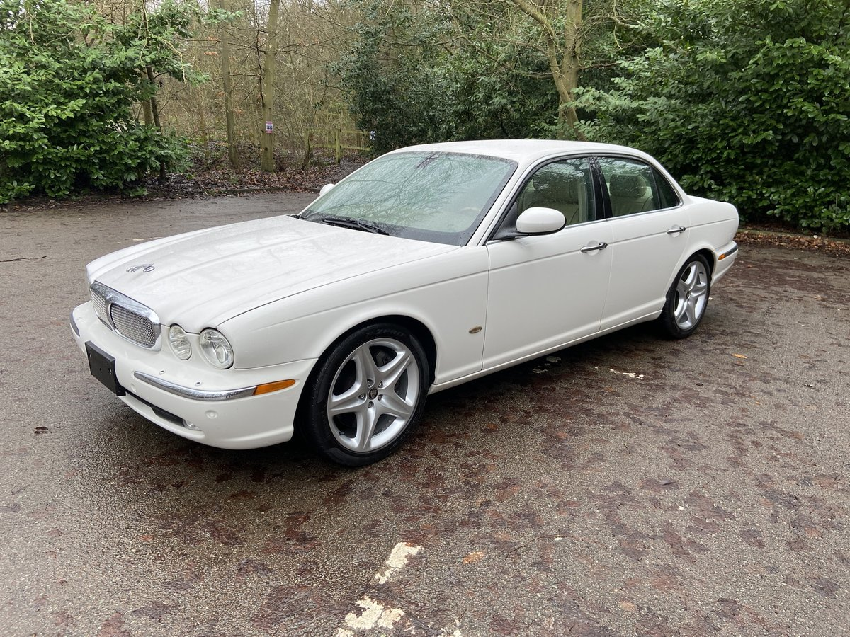 Jaguar Sovereign SUPERCHARGED 4.2 SWB 2006 LHD For Sale (picture 3 of 6)