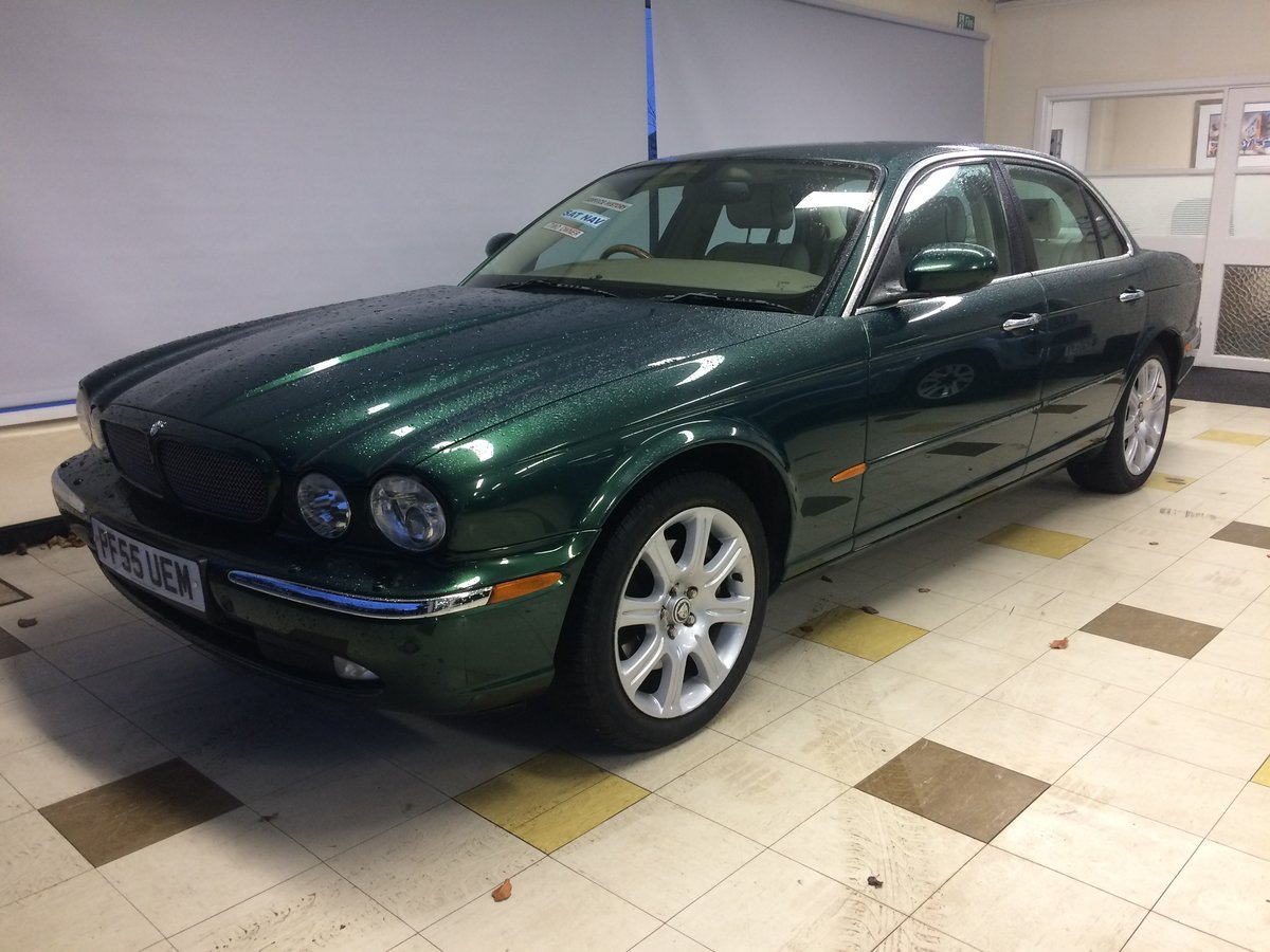 2005 STUNNING! JAGUAR XJ6 3.0 SE Auto. Only 65000mls FSH (Low tax For Sale (picture 1 of 6)