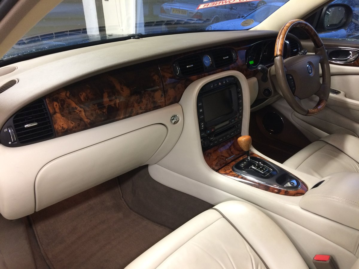 2005 STUNNING! JAGUAR XJ6 3.0 SE Auto. Only 65000mls FSH (Low tax For Sale (picture 6 of 6)