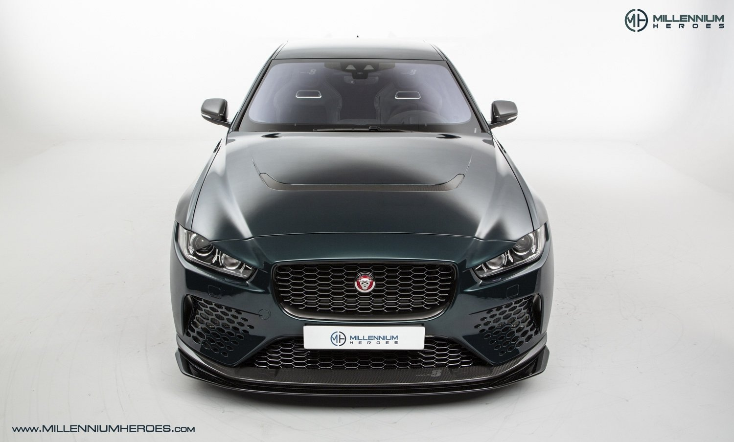 2019 JAGUAR XE SV PROJECT 8 // 1 OF 300 // 1K MILES // 1 OWNER  For Sale (picture 3 of 24)