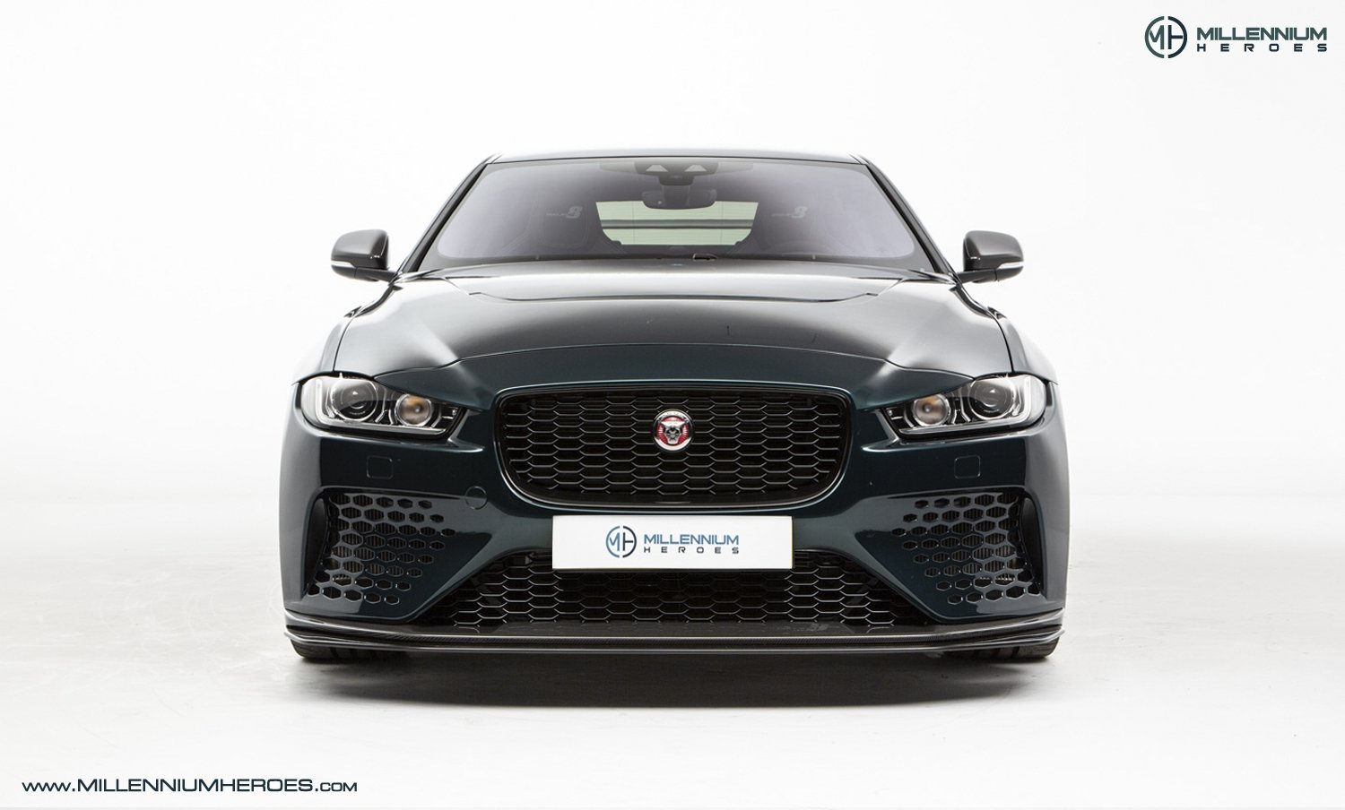 2019 JAGUAR XE SV PROJECT 8 // 1 OF 300 // 1K MILES // 1 OWNER  For Sale (picture 4 of 24)