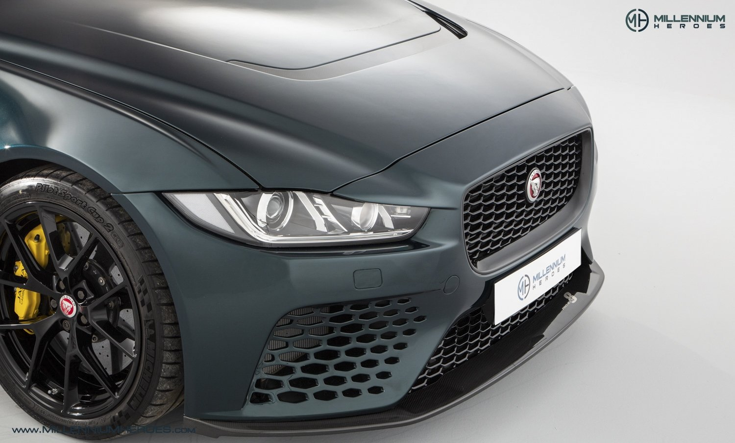 2019 JAGUAR XE SV PROJECT 8 // 1 OF 300 // 1K MILES // 1 OWNER  For Sale (picture 6 of 24)
