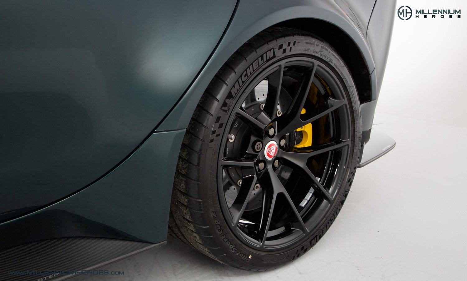 2019 JAGUAR XE SV PROJECT 8 // 1 OF 300 // 1K MILES // 1 OWNER  For Sale (picture 22 of 24)