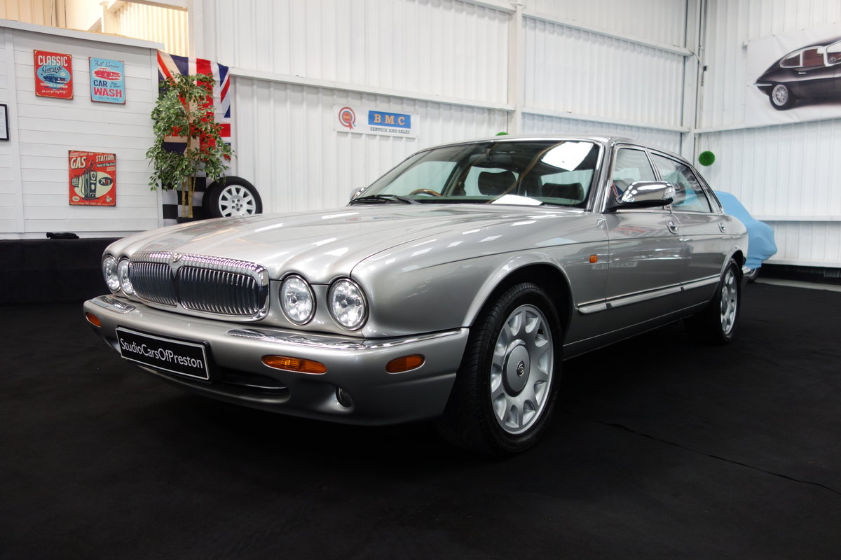1997 Daimler Super V8 53'000 miles and beautiful condition For Sale (picture 1 of 6)