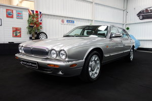 1997 Daimler Super V8 53'000 miles and beautiful condition