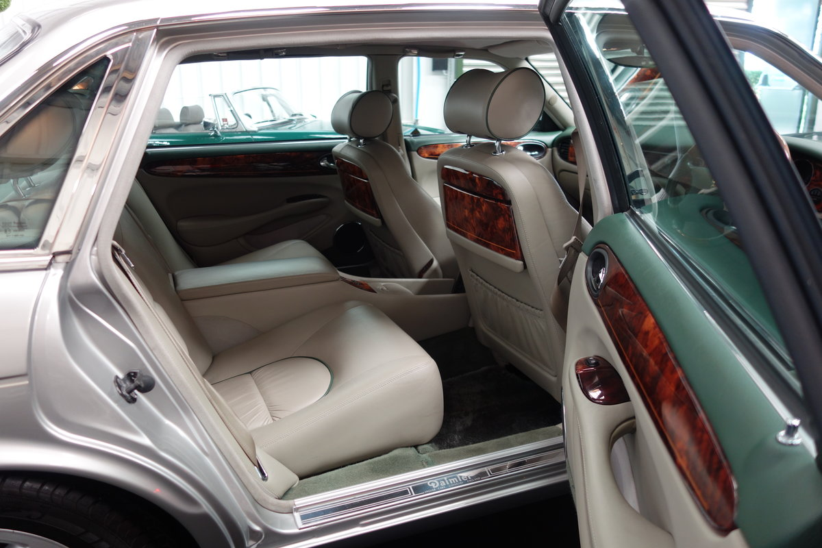 1997 Daimler Super V8 53'000 miles and beautiful condition For Sale (picture 6 of 6)