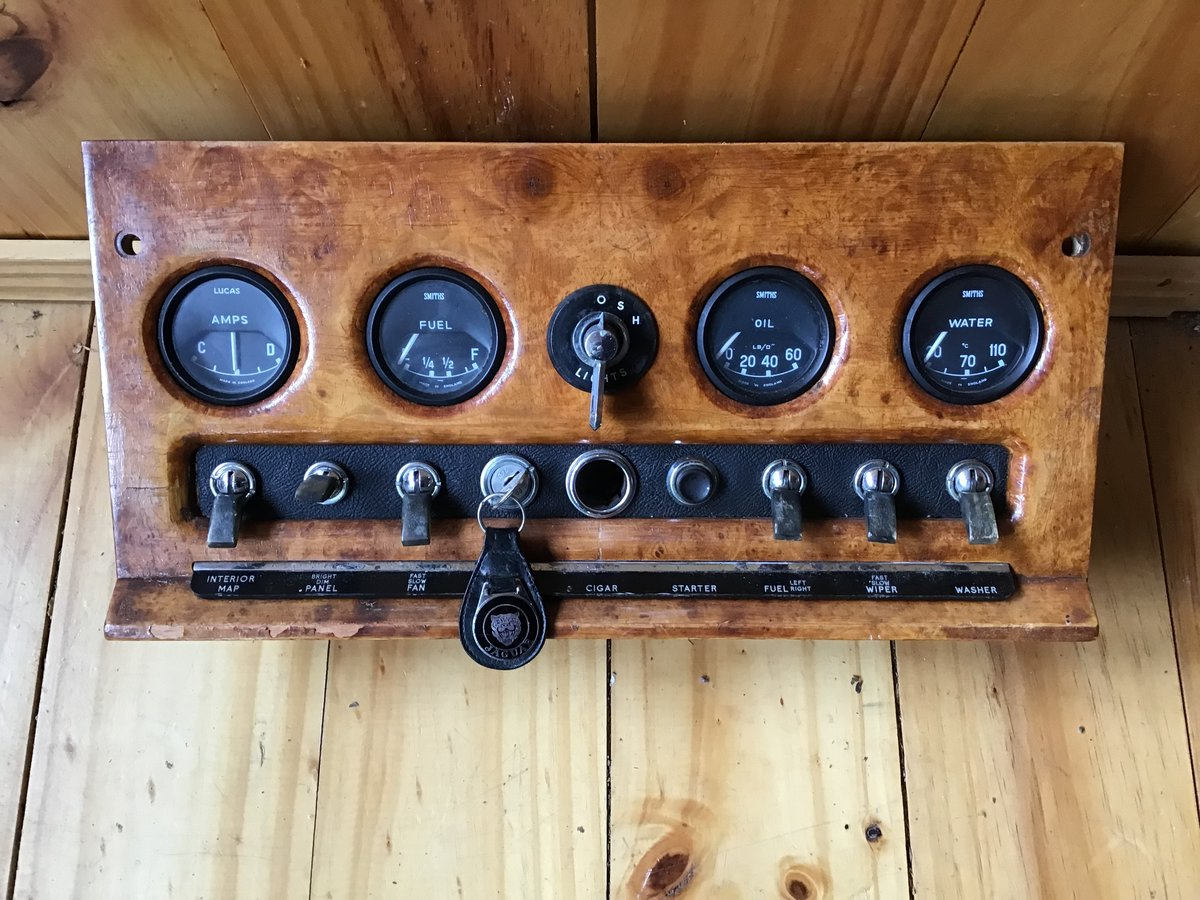 Jaguar dash instruments and gauges fr.1948 to 1971 For Sale (picture 1 of 6)