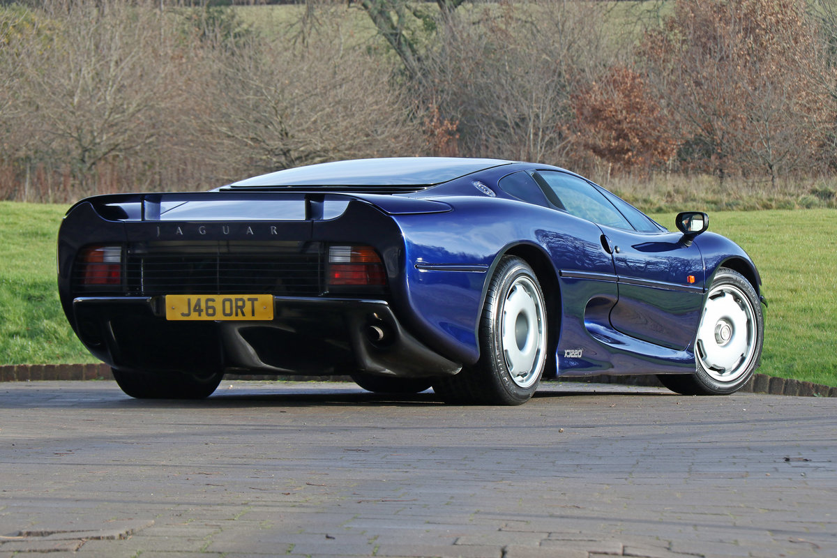 1992 Jaguar XJ220 with just 2,487 miles (4,003 kms) from new For Sale (picture 2 of 6)