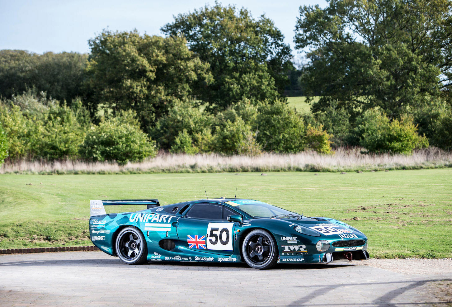 1993 Jaguar XJ220C-002 One of only four examples to FIA/IMSA spec For Sale (picture 1 of 6)