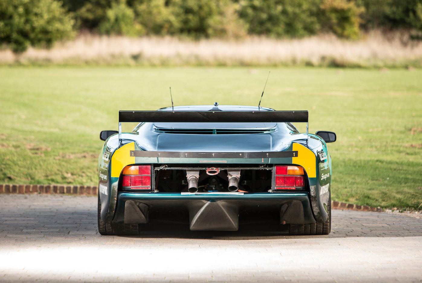 1993 Jaguar XJ220C-002 One of only four examples to FIA/IMSA spec For Sale (picture 2 of 6)