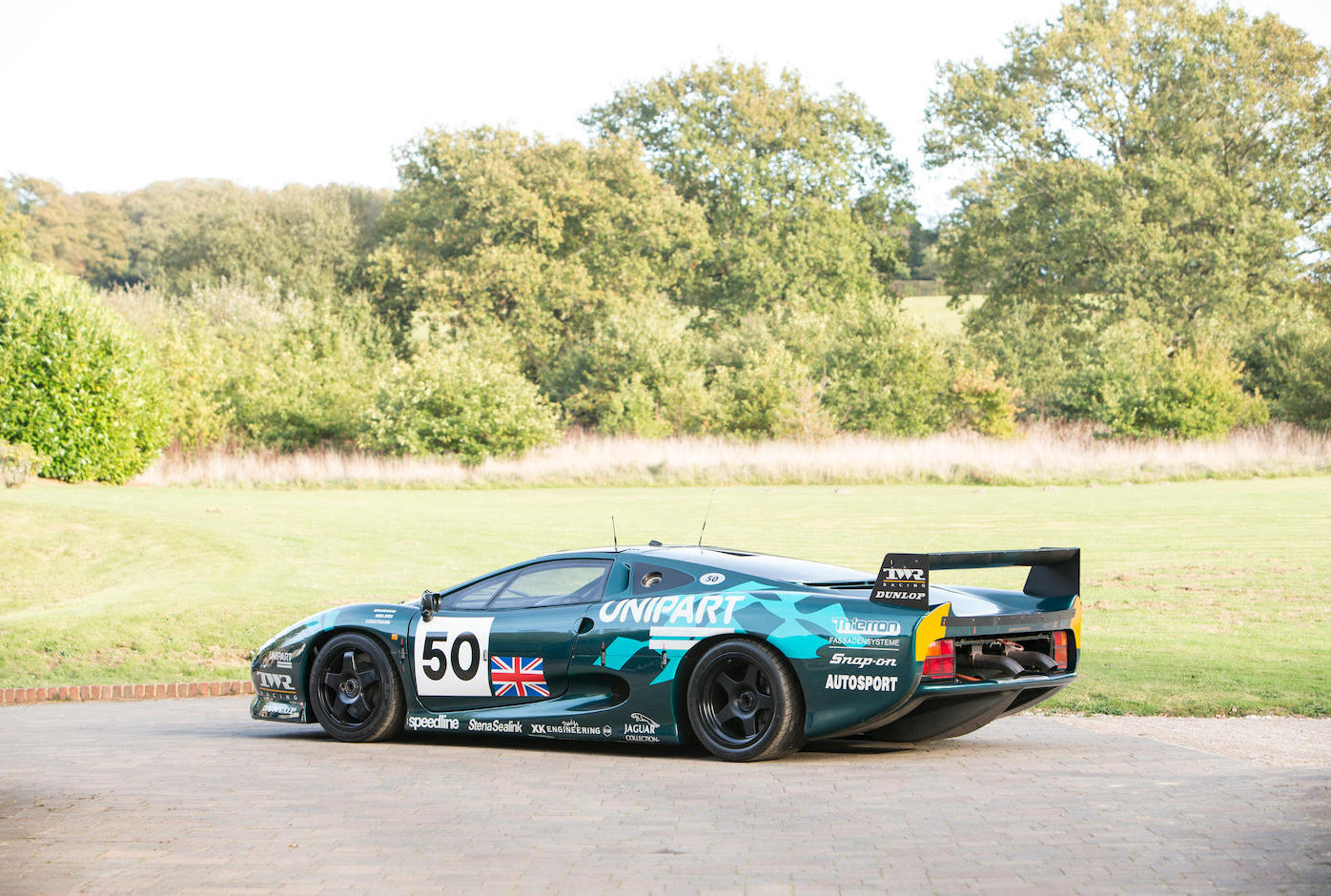 1993 Jaguar XJ220C-002 One of only four examples to FIA/IMSA spec For Sale (picture 3 of 6)
