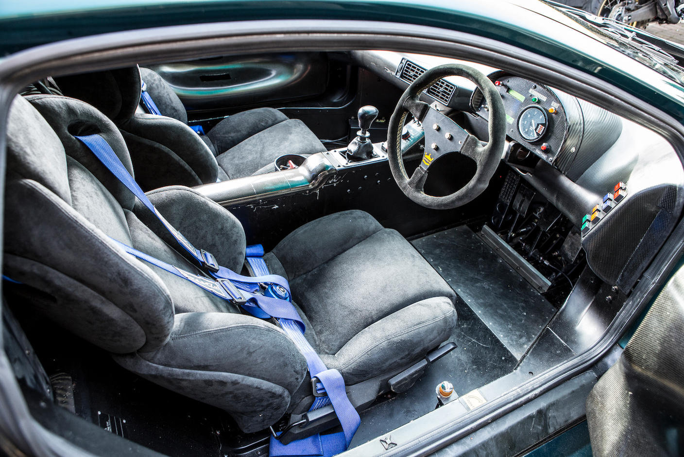 1993 Jaguar XJ220C-002 One of only four examples to FIA/IMSA spec For Sale (picture 4 of 6)