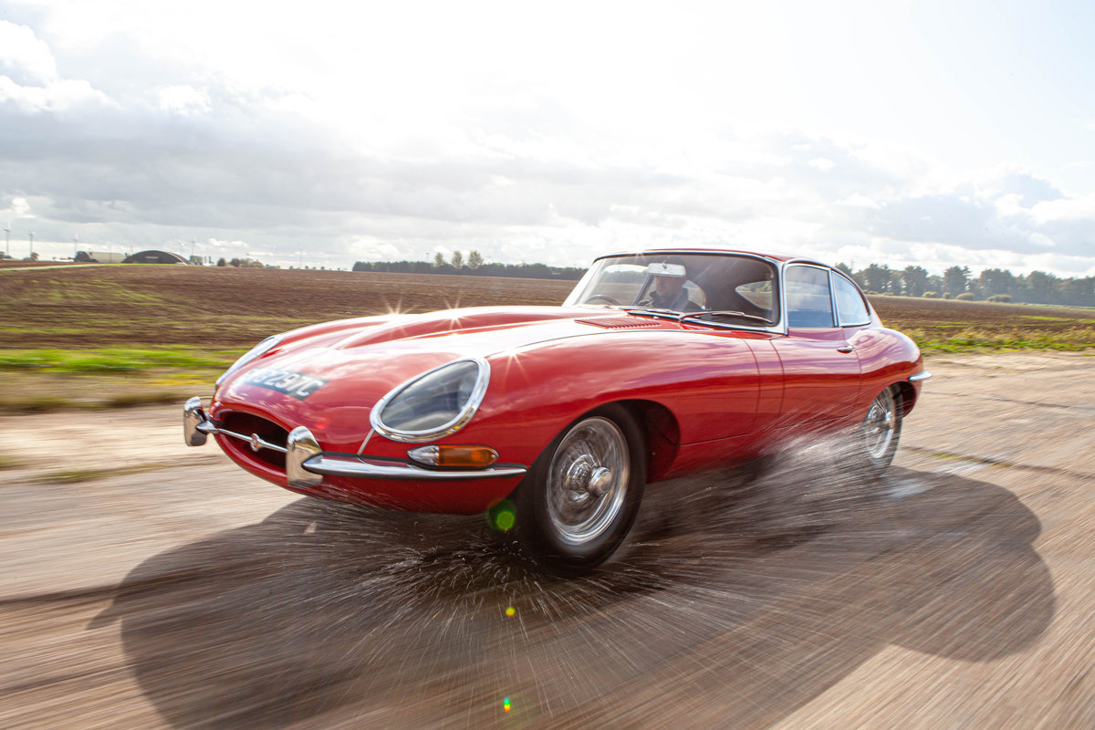 1964 JAGUAR E-TYPE 4.2 FIXED HEAD COUPE SERIES 1  For Sale (picture 2 of 6)