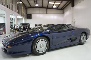 Picture of 1994 Le Mans Blue Jaguar XJ220 Coupe